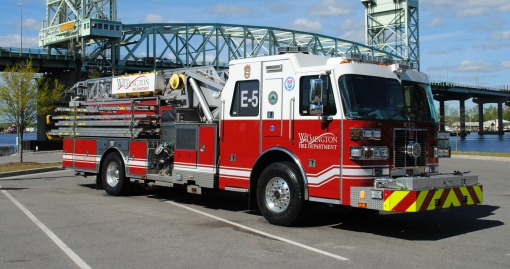2012 Sutphen with 75' Ladder | 1750 GPM | 500 G Tank | Automated Foam Distribution Capability | Housed at Station 5