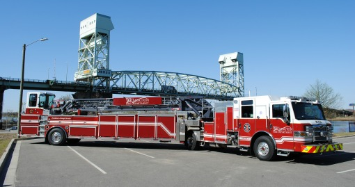 2014 Pierce Tractor Drawn Aerial with 100' Ladder | 1500 GPM | 200 G Tank | Equipped with Hydraulic Extrication Tools | Housed at Headquarters